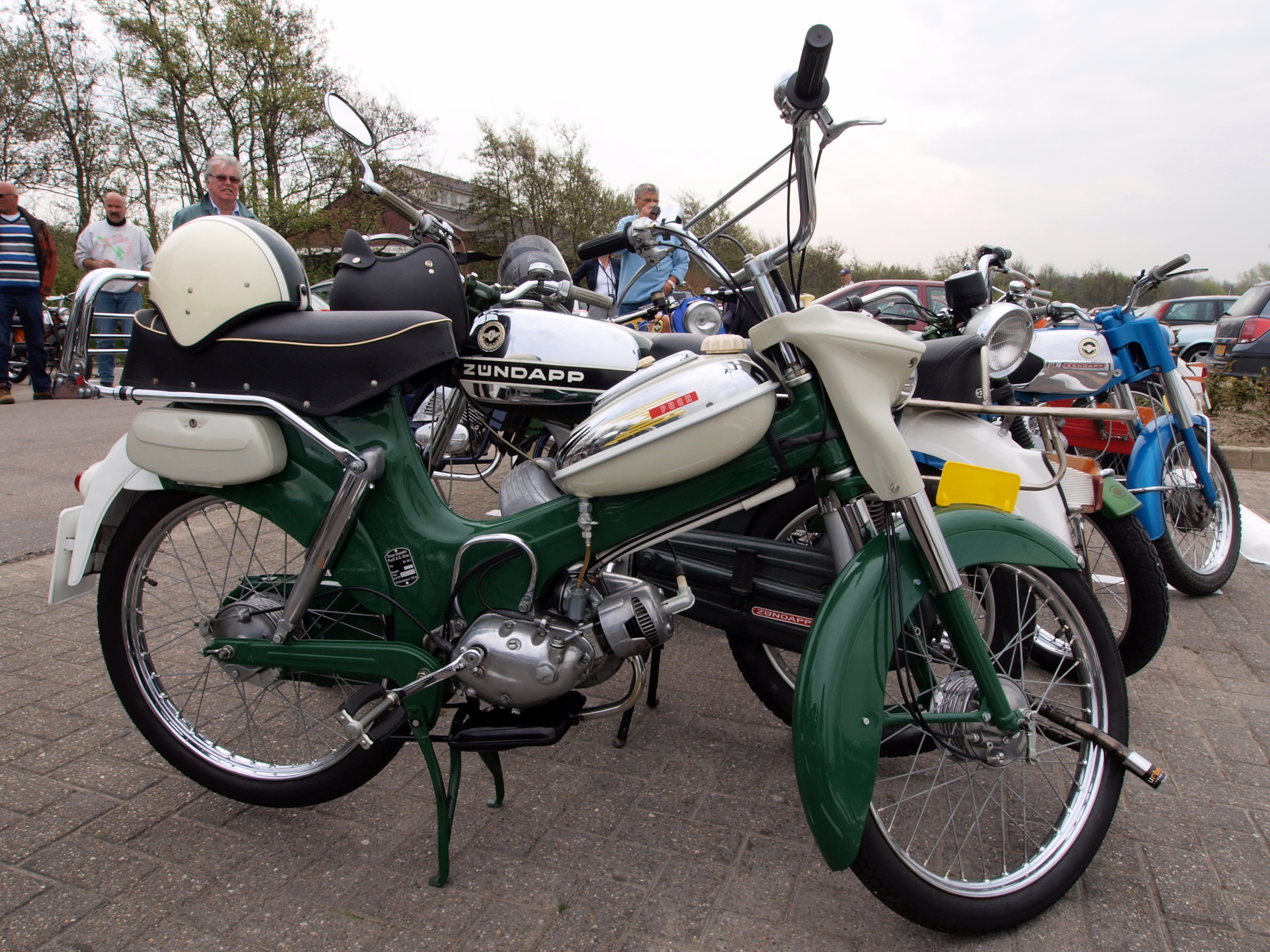 File:Puch 3gear p3.JPG - Wikimedia Commons