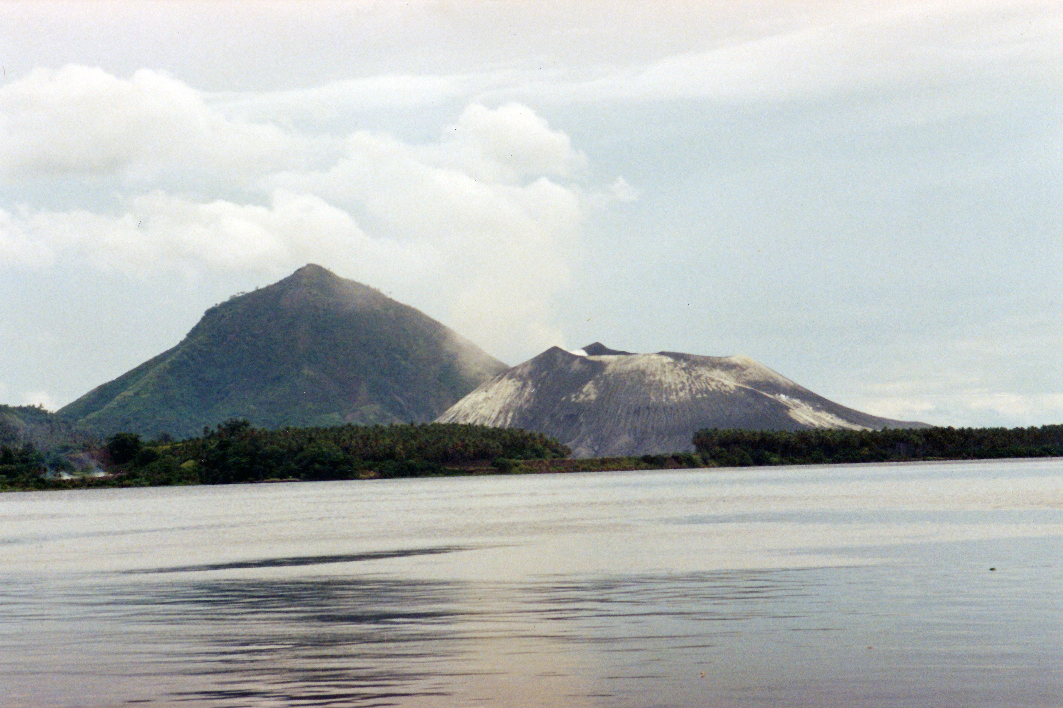 World is beautiful - Rabaul caldera ツ