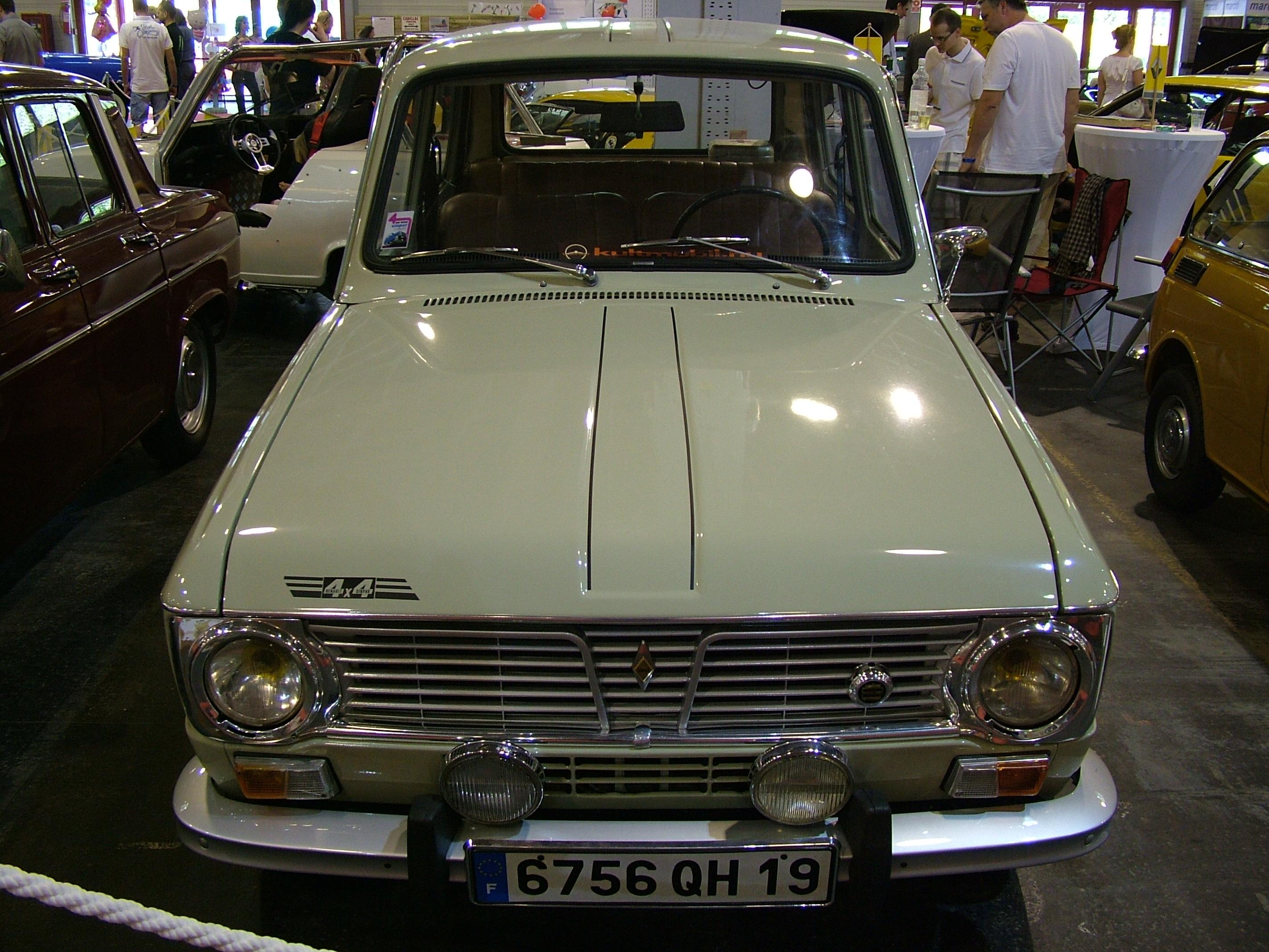File:Renault R-1181 4x4 Sinpar, 1974 (7126256771).jpg