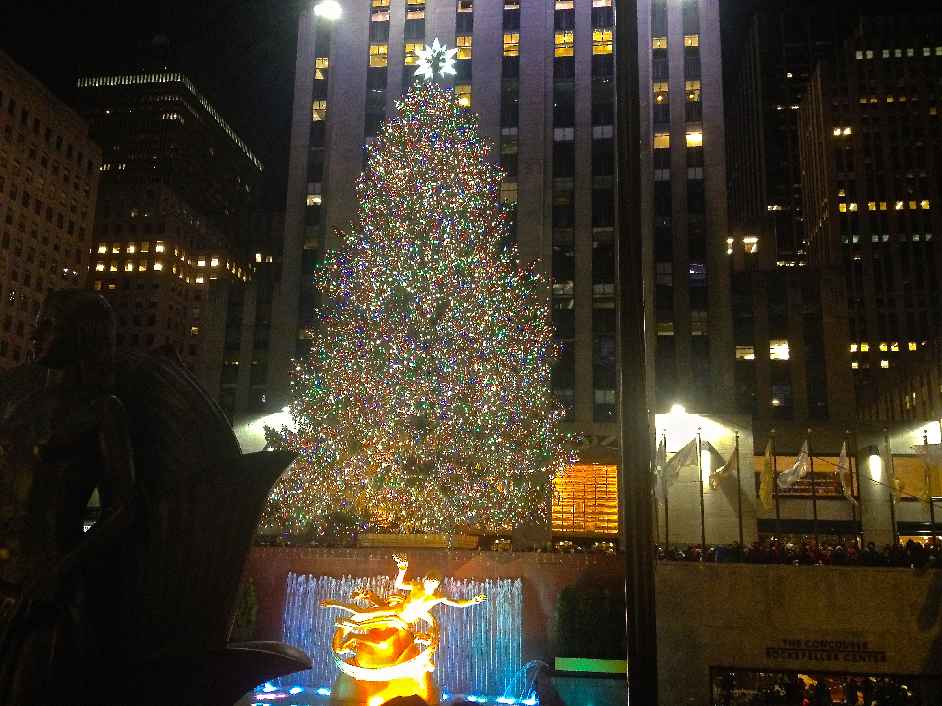 Camera Rockefeller Center : File:rockefeller center christmas tree.jpg wikimedia commons