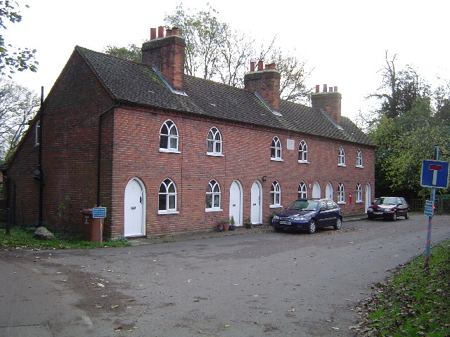 Sarratt, Almshouses, Church End - geograph.org.uk - 79129