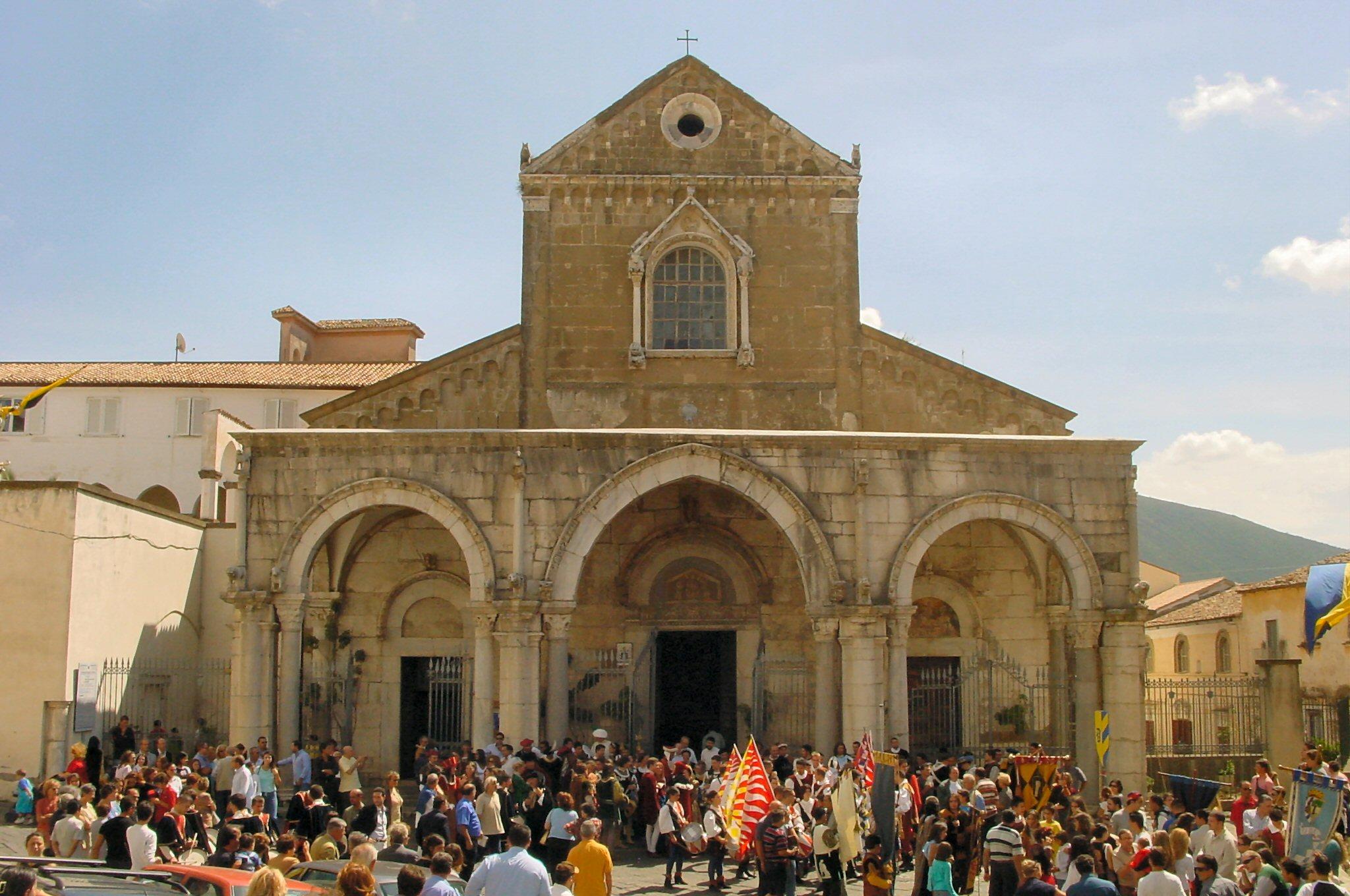 Description sessa aurunca - duomo - cattedrale