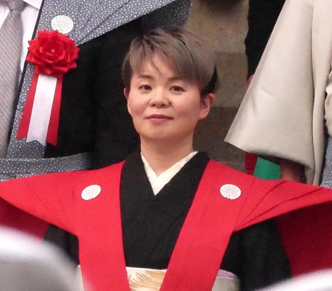 島津 亜矢 結婚