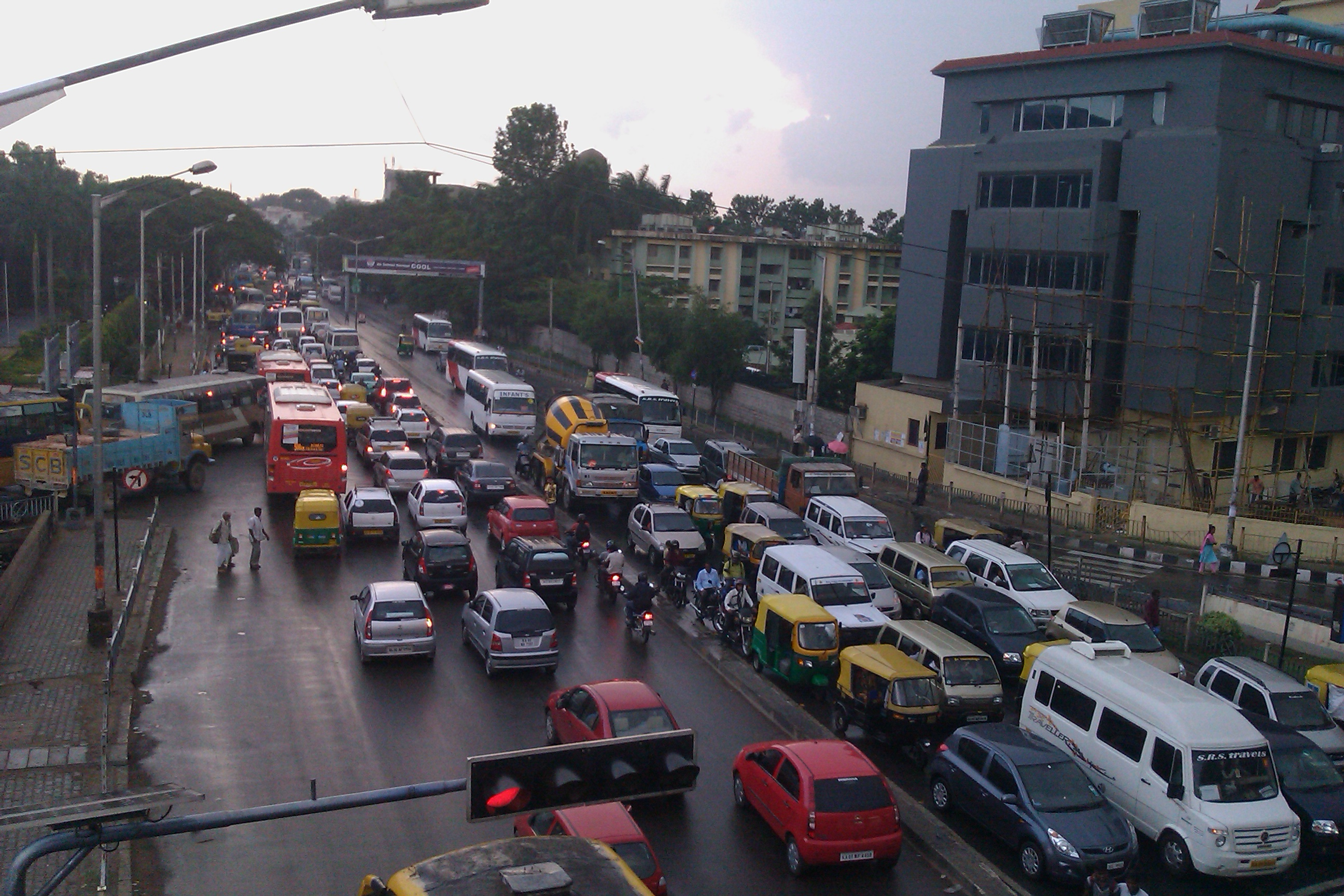 Bengaluru's infamous Silk Board junction. Photo credit: Ashwin Kumar/Wikimedia Commons [ Creative Commons Attribution-Share Alike 2.0 Generic].