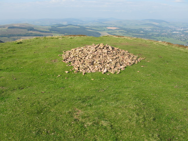 Summit of Eildon Hill North - geograph.org.uk - 974881
