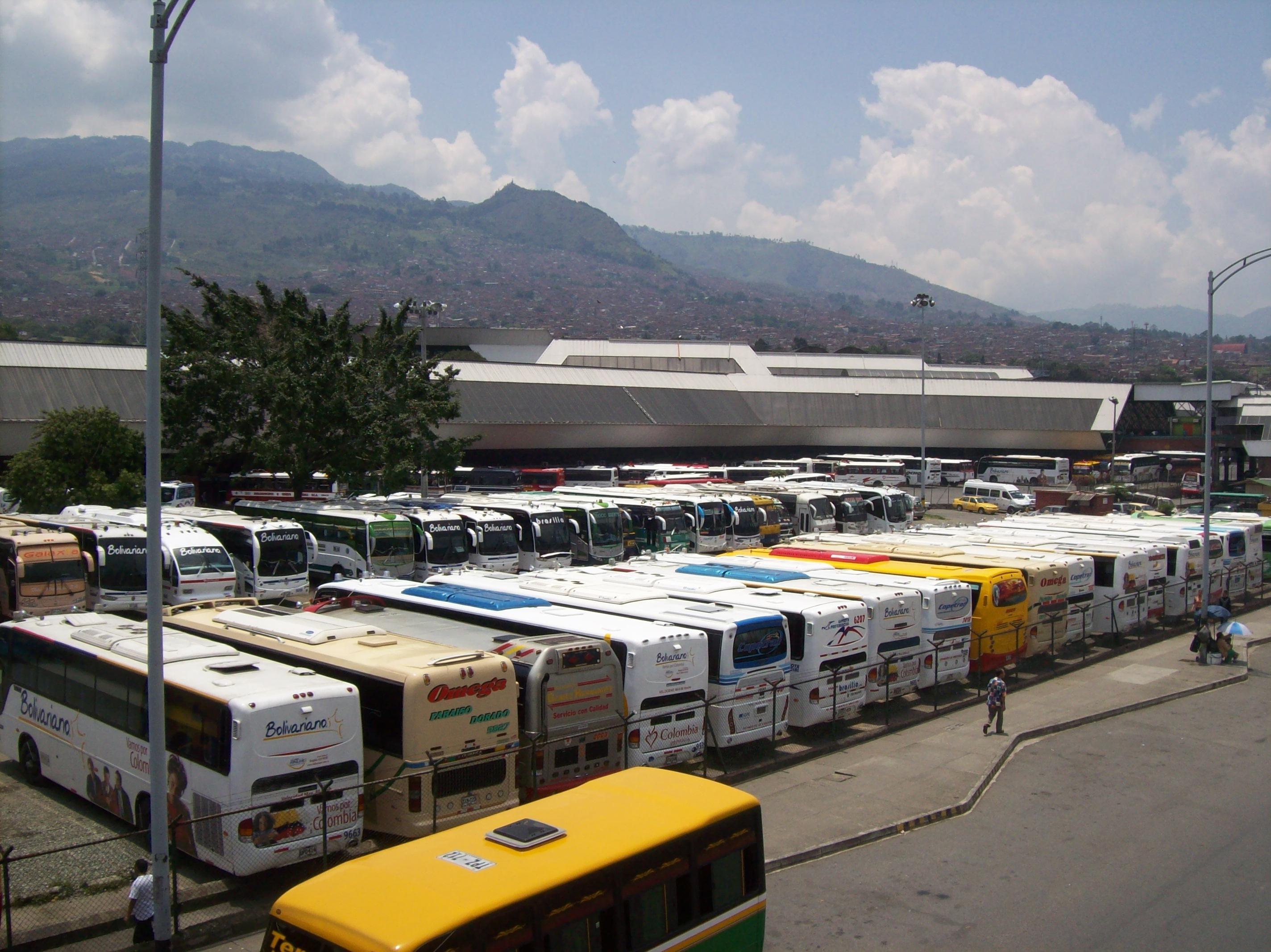 foto de la terminal de transportes del norte en medellin