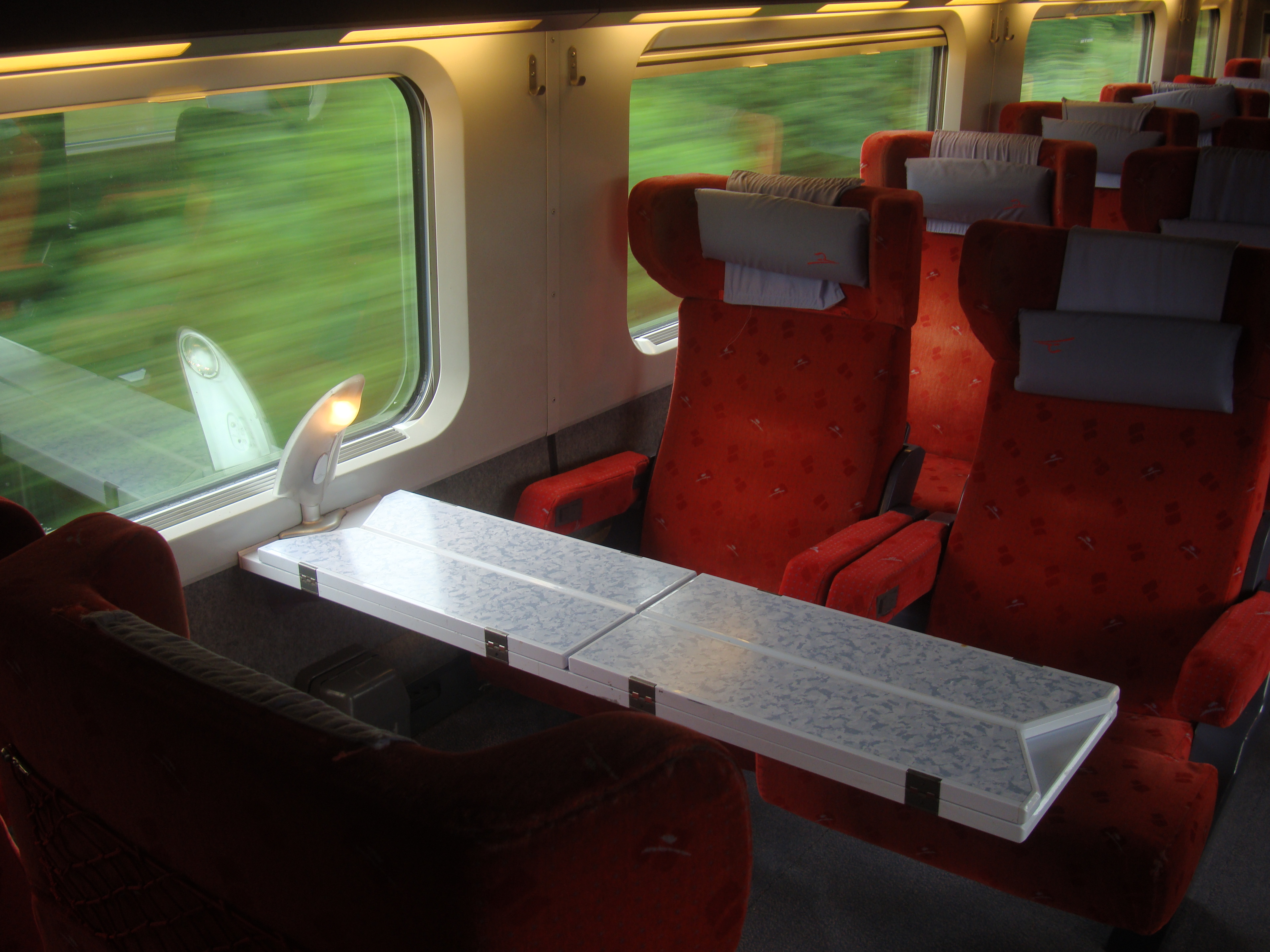 Fichier:Thalys Comfort 1 car.jpg — Wikipédia