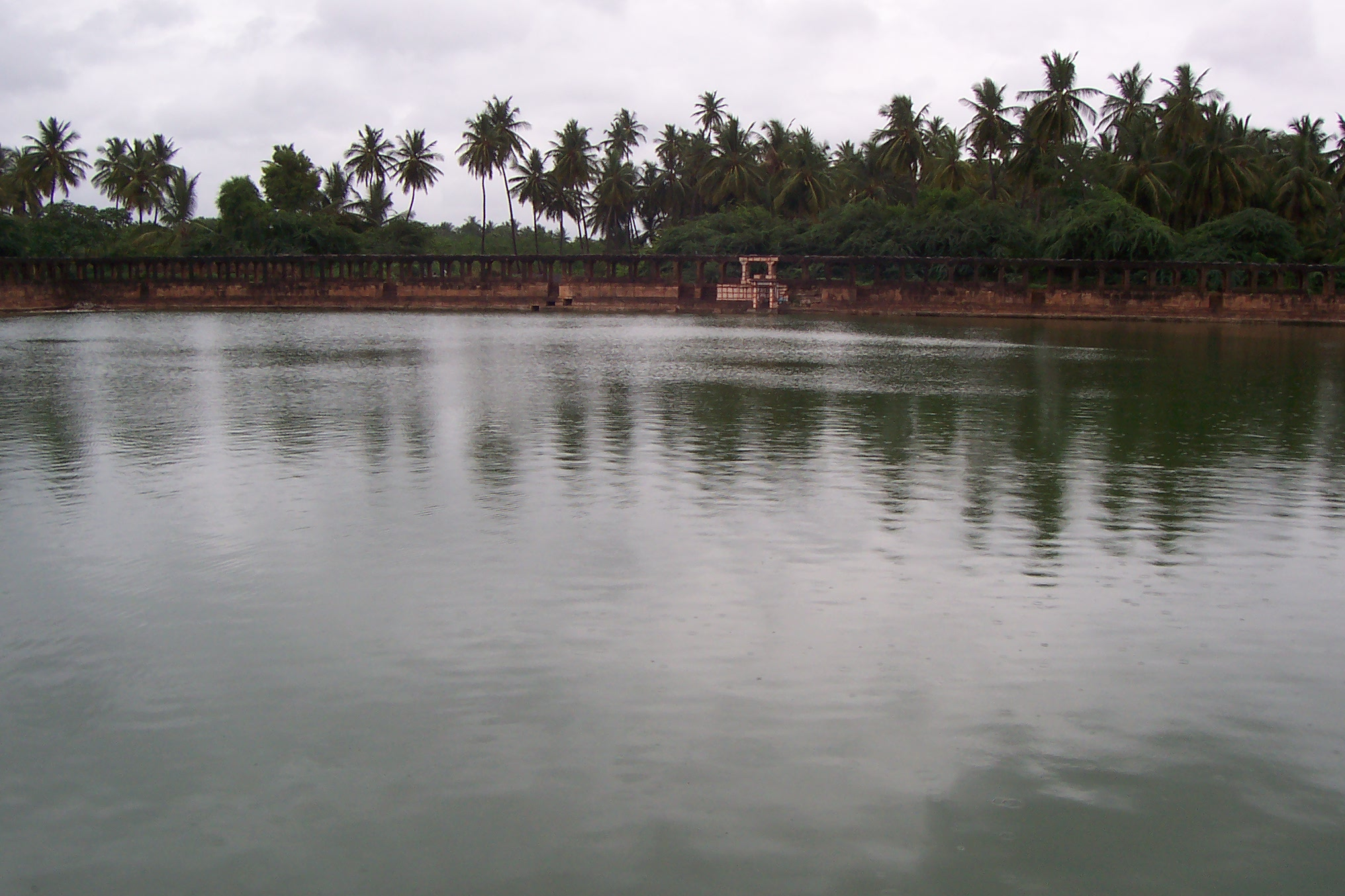 File The Large Water Tank Or Pond In Front Of The