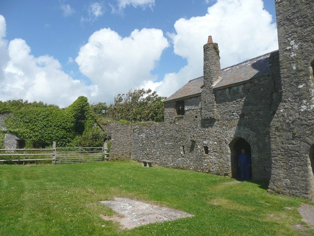 The priory buildings, Caldey Island (Ynys Bŷr) - geograph.org.uk - 958181