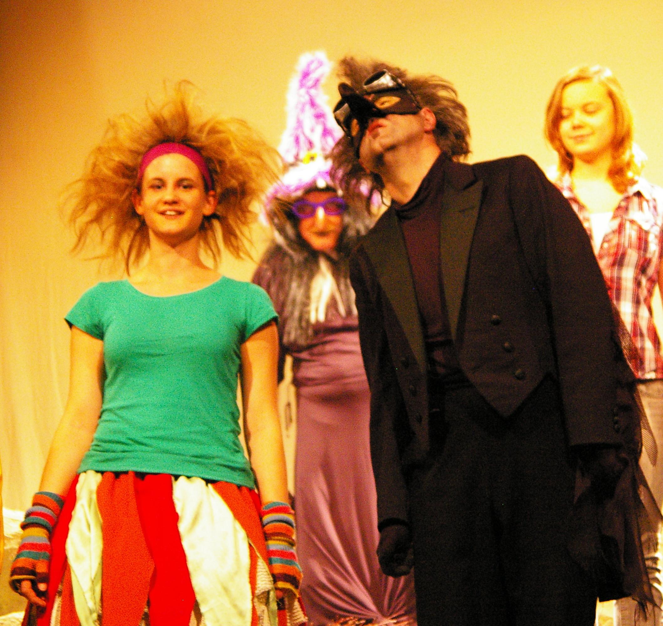 kleine holzhauser, file:theater holzhausen die kleine hexe kindertheater, Design ideen