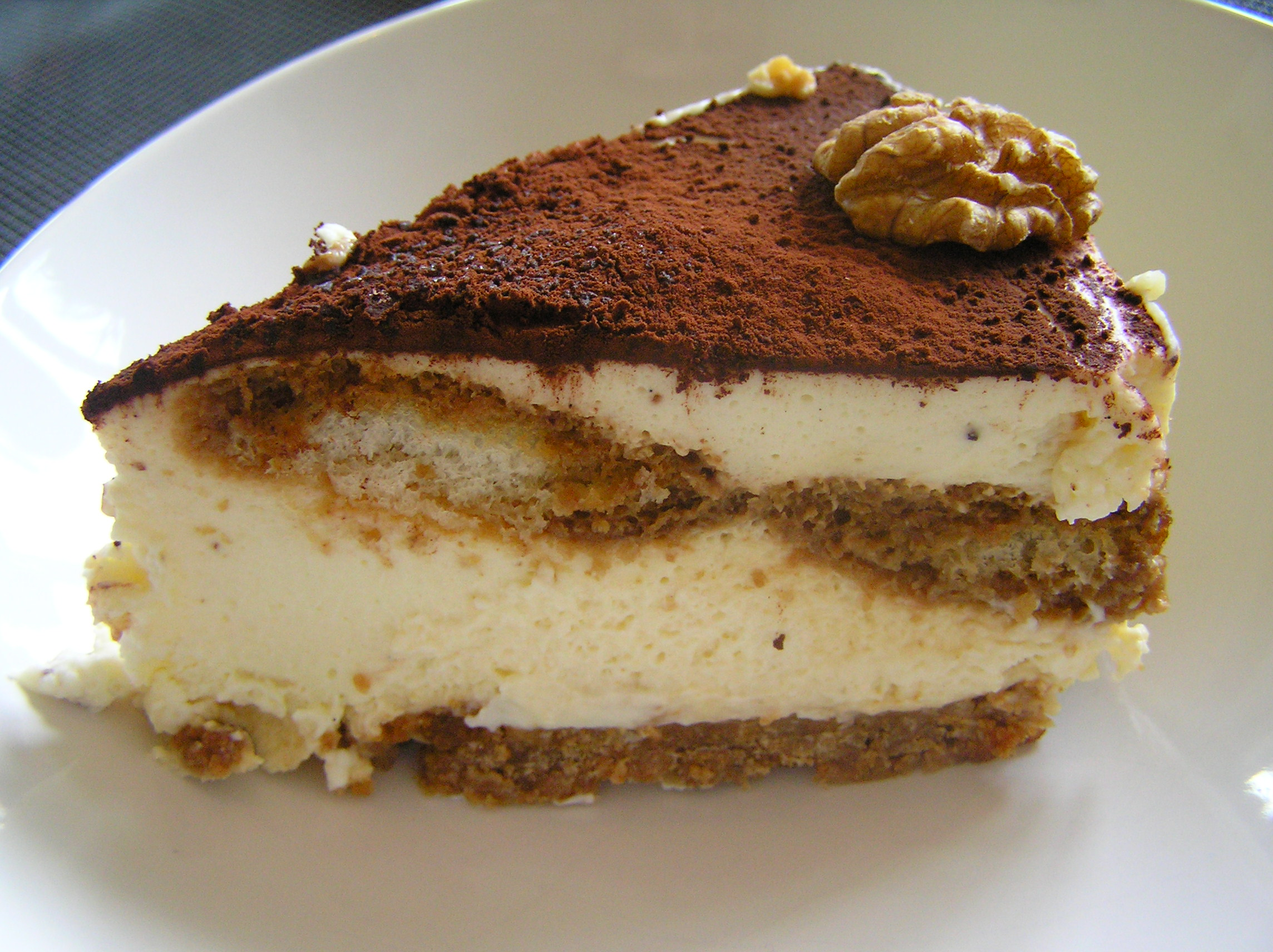 file tiramisu with walnut garnish kaastaart de la