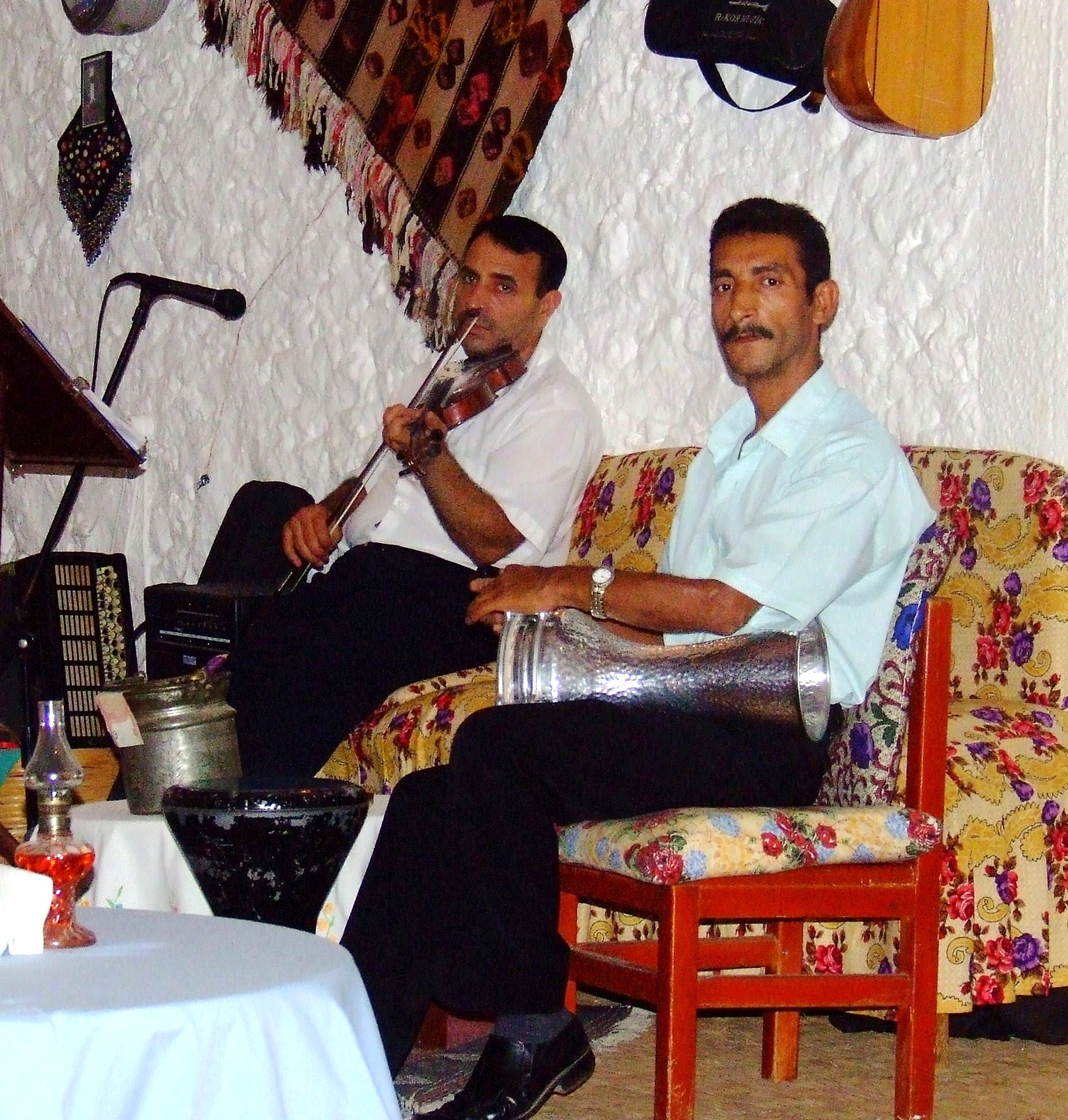 Description turkish musicians 3 jpg