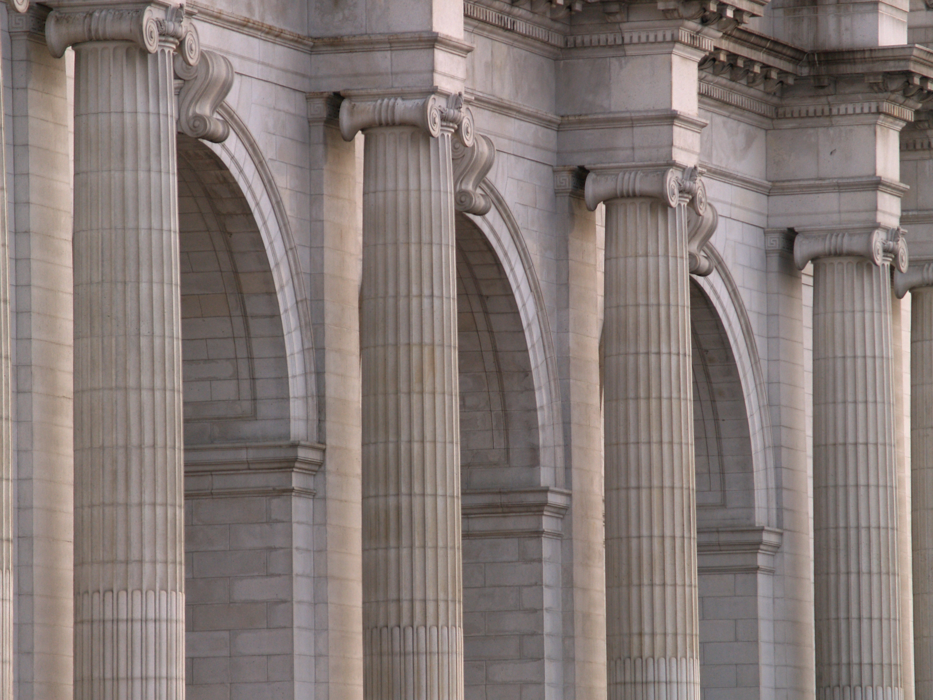 Pillars And Columns : File union station columns and arches washington dc g
