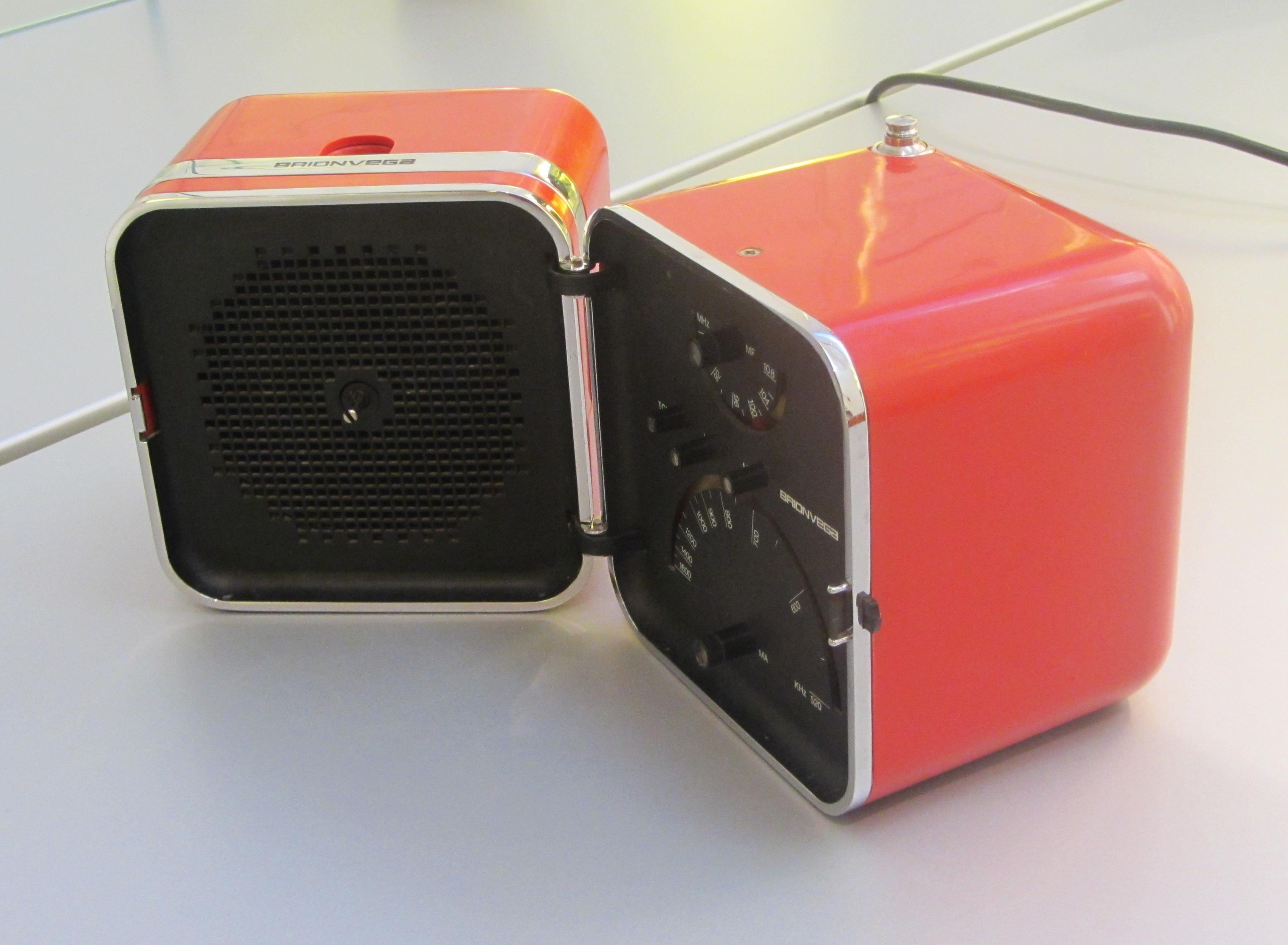 file 11 italy domestic radio receiver design of italy ts 502 marzo zanuso and. Black Bedroom Furniture Sets. Home Design Ideas