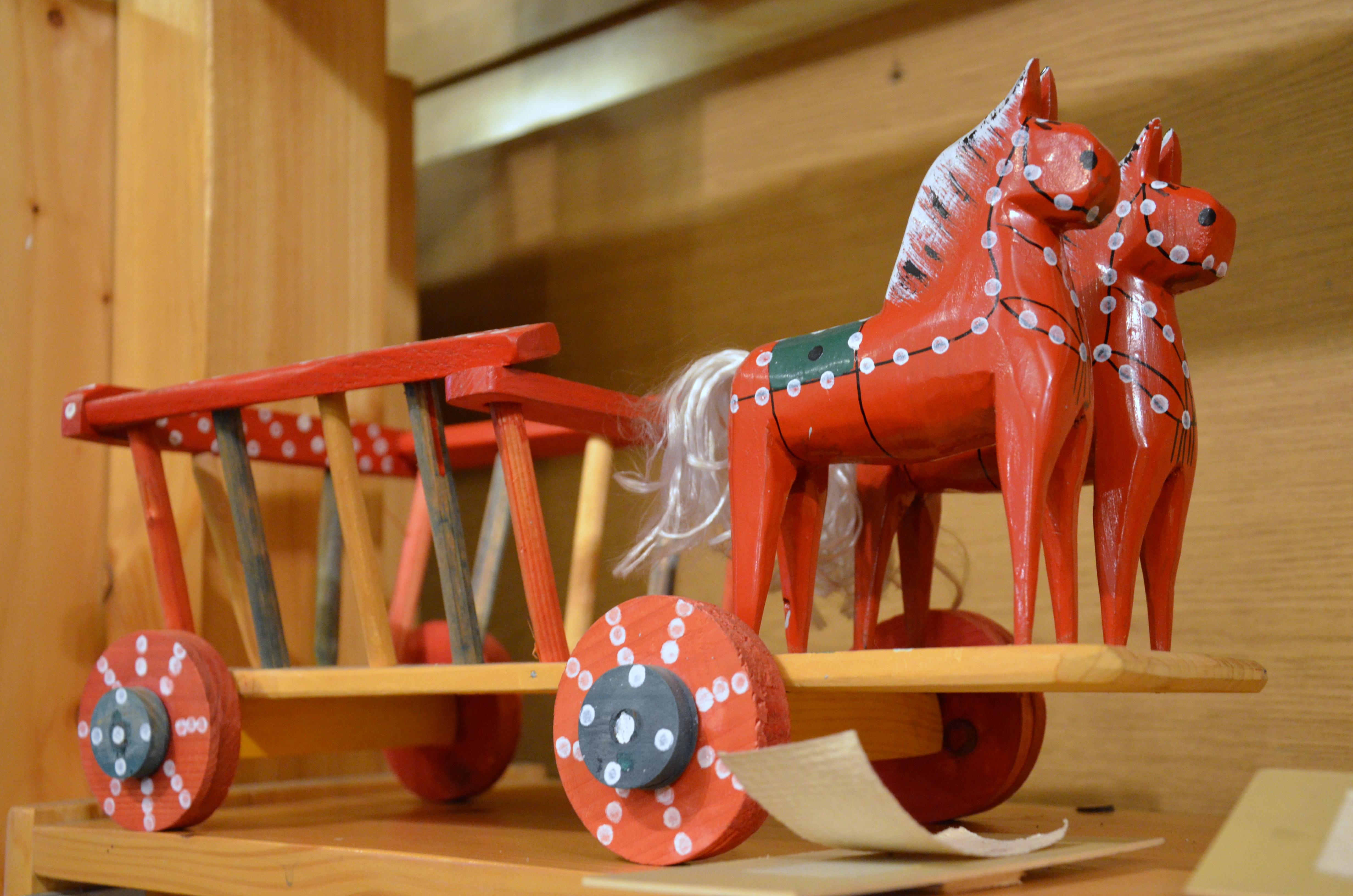 Fahrzeuge Altes Holzspielzeug PFERD mit WAGEN Holzspielzeug