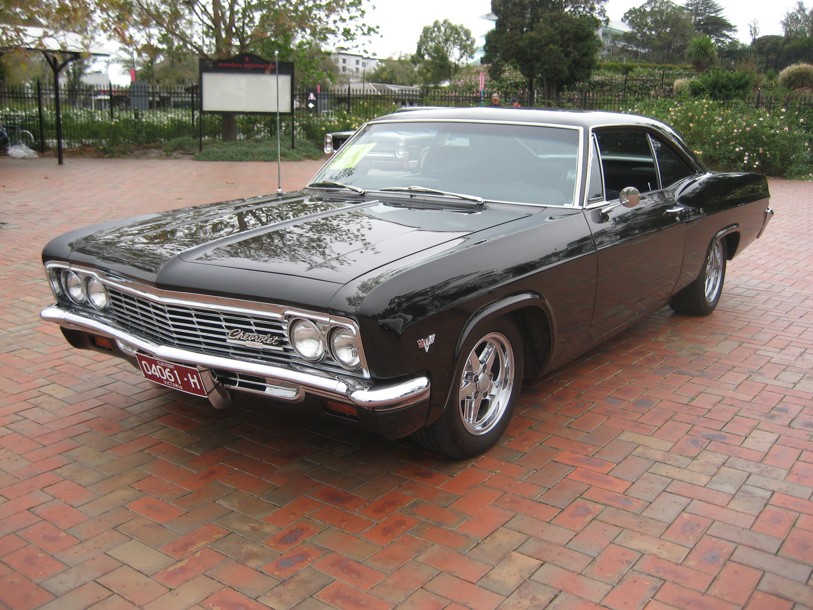 65 Impala Ss For Sale On Ebay also Car Of The Week 1966 Chevrolet Caprice also 1965 CHEVROLET IMPALA SS 409 2 DOOR HARDTOP 65868 together with 1966 Chevrolet Impala additionally Lotdetails. on 1966 chevrolet caprice 396