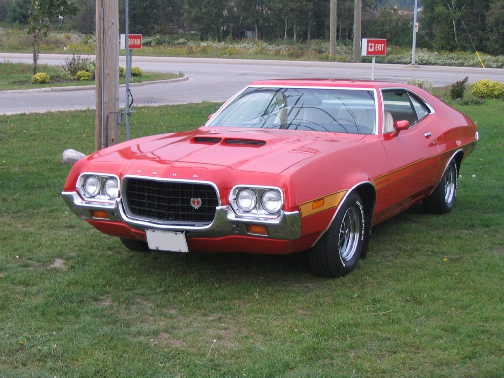 Description 1972 Ford Gran Torino Sport SportsRoof.jpg
