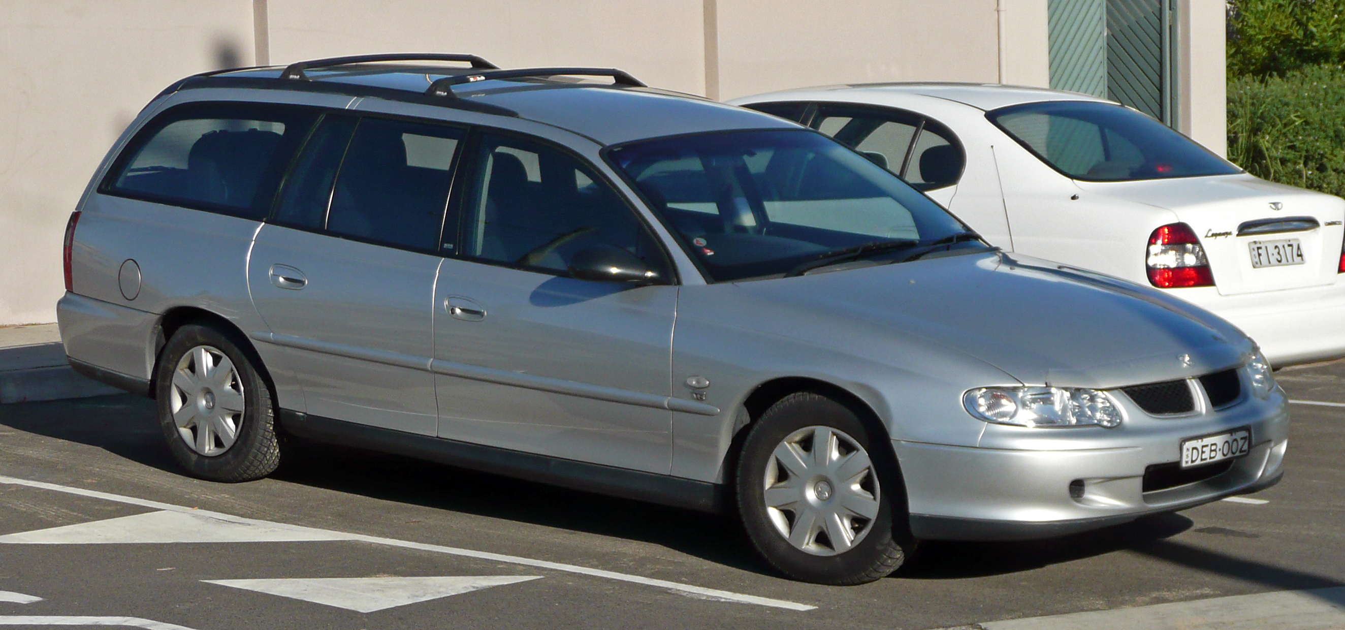 File:2001-2002 Holden VX II Commodore Acclaim station wagon 01.jpg ...