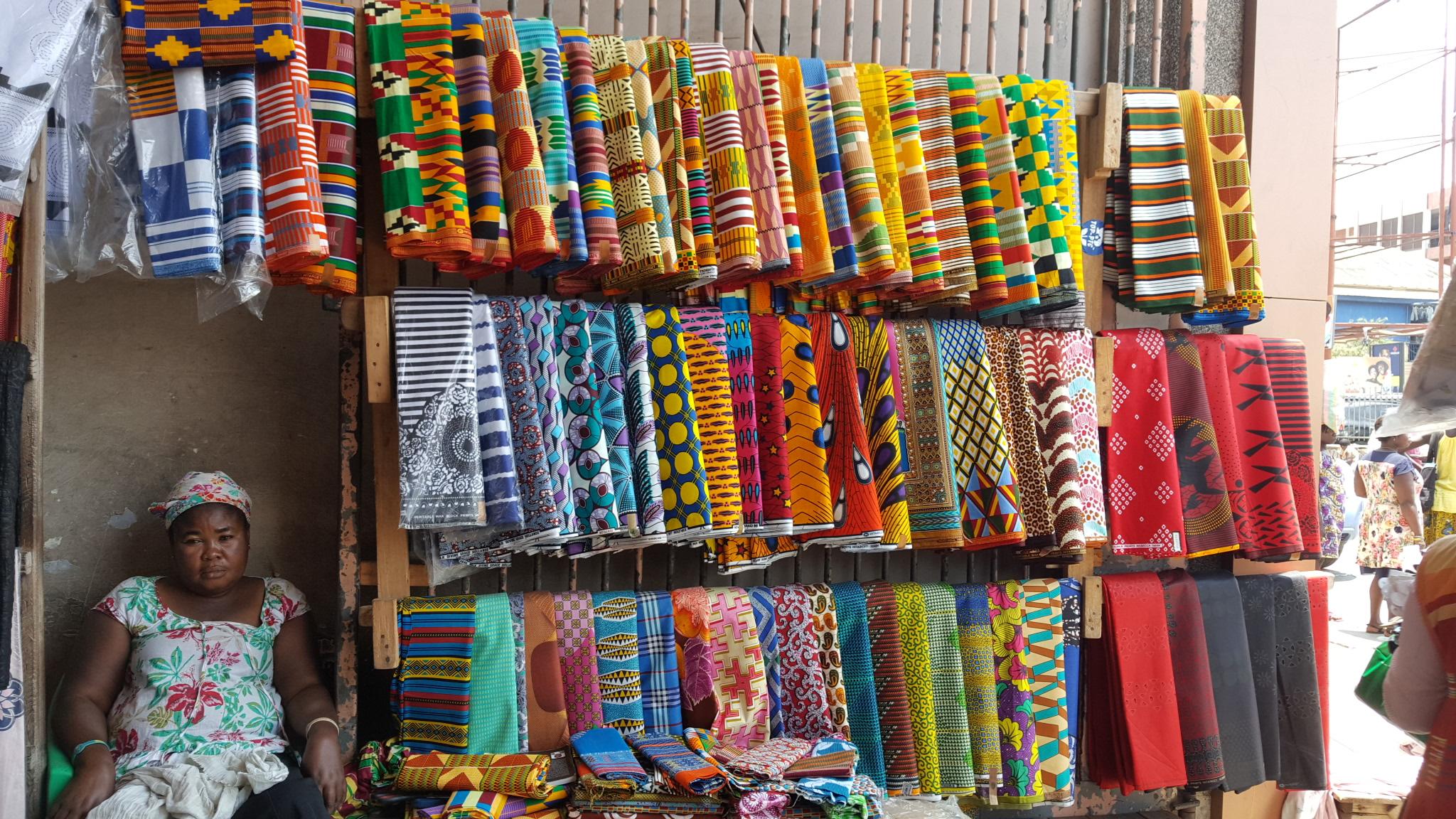 File:A trader at Makola Market jpg - Wikimedia Commons
