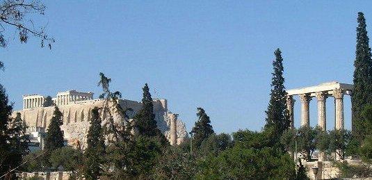 الاسكندر الأكبر Acropolis_and_temple_of_zeus