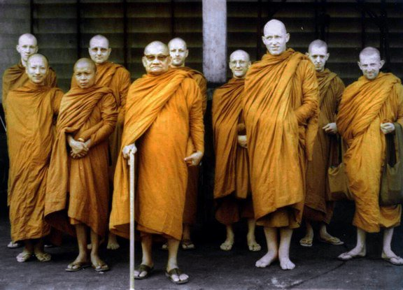 Design Thinking Monks - Thailand- Politik