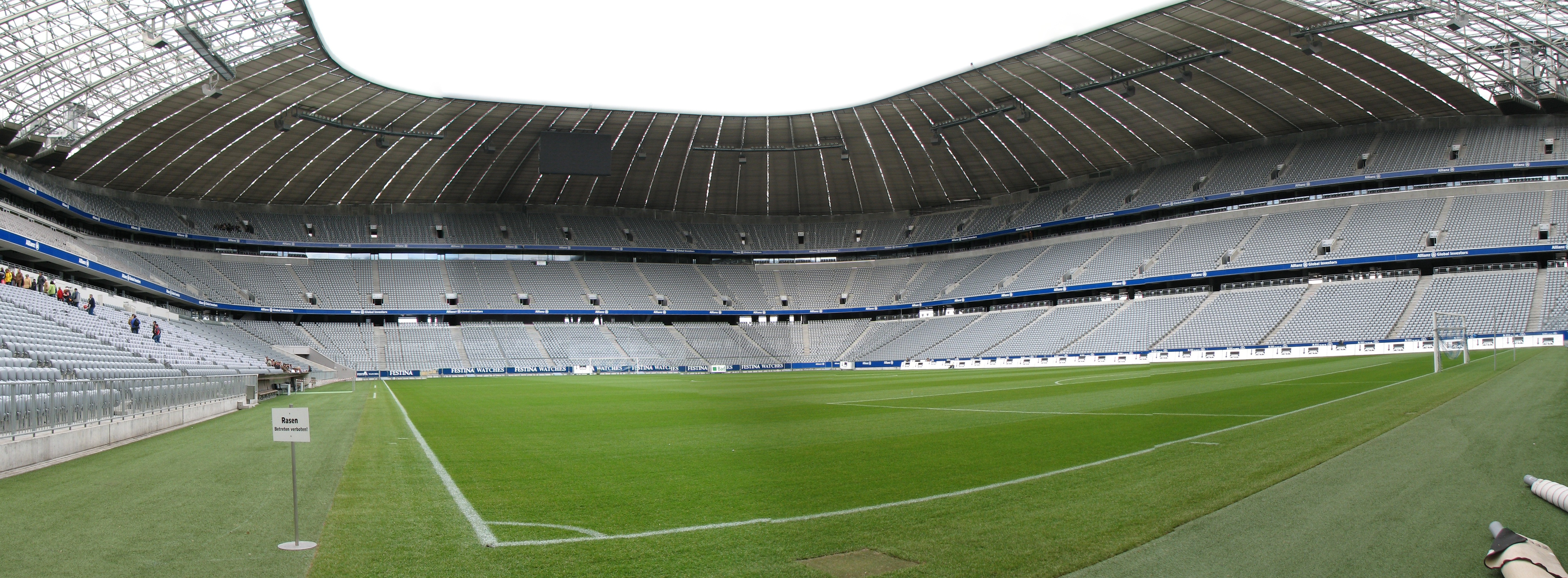 file allianz arena playing field wikimedia. Black Bedroom Furniture Sets. Home Design Ideas