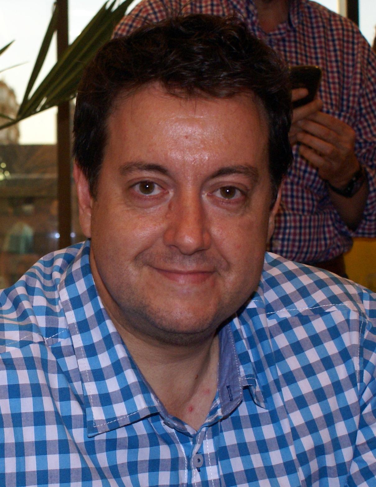 File:Antoni Daimiel en Valladolid (2013).jpg