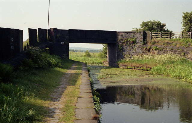 Benny's Bridge, Manchester, Bolton and Bury Canal - geograph.org.uk - 755670