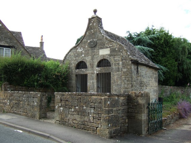 File:Bisley , The Lock-up - geograph.org.uk - 191711.jpg