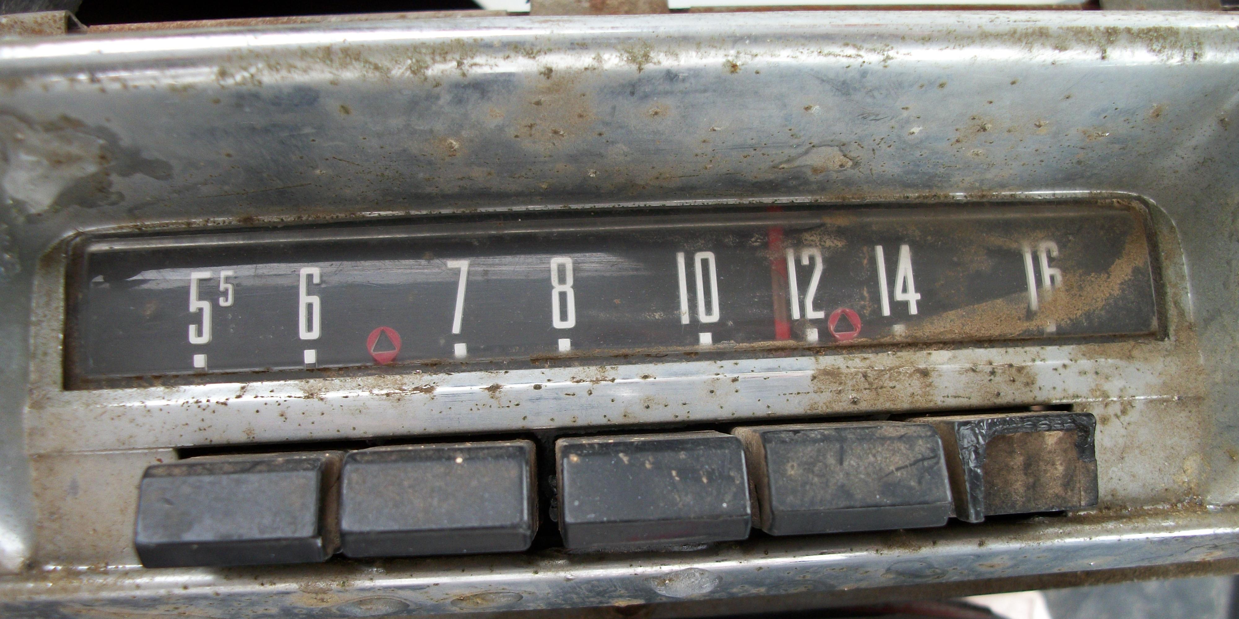 Car Radio That Shows Car Info