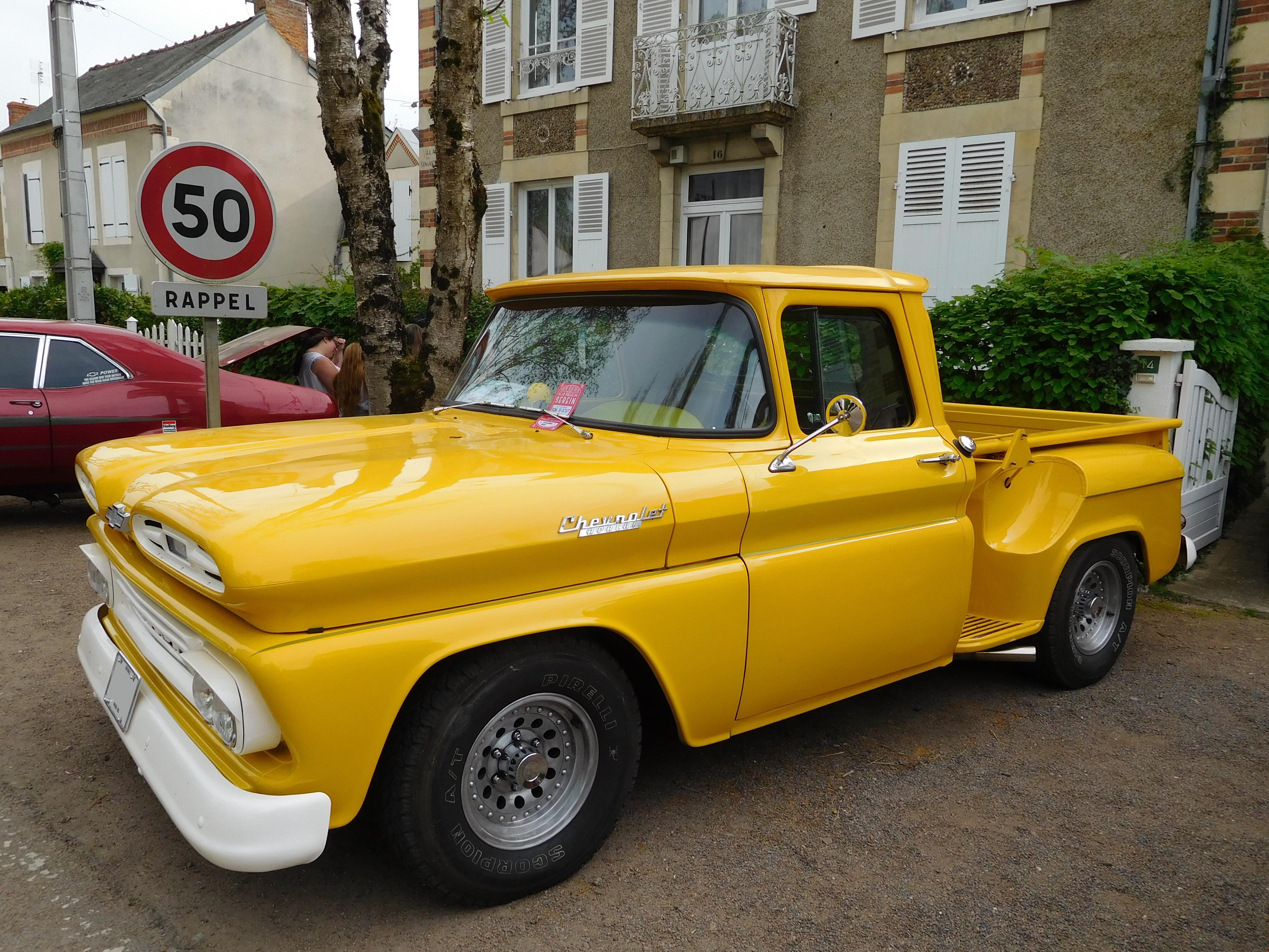 Filechevrolet Apache 1961 Wikimedia Commons Chevy Pickup Truck