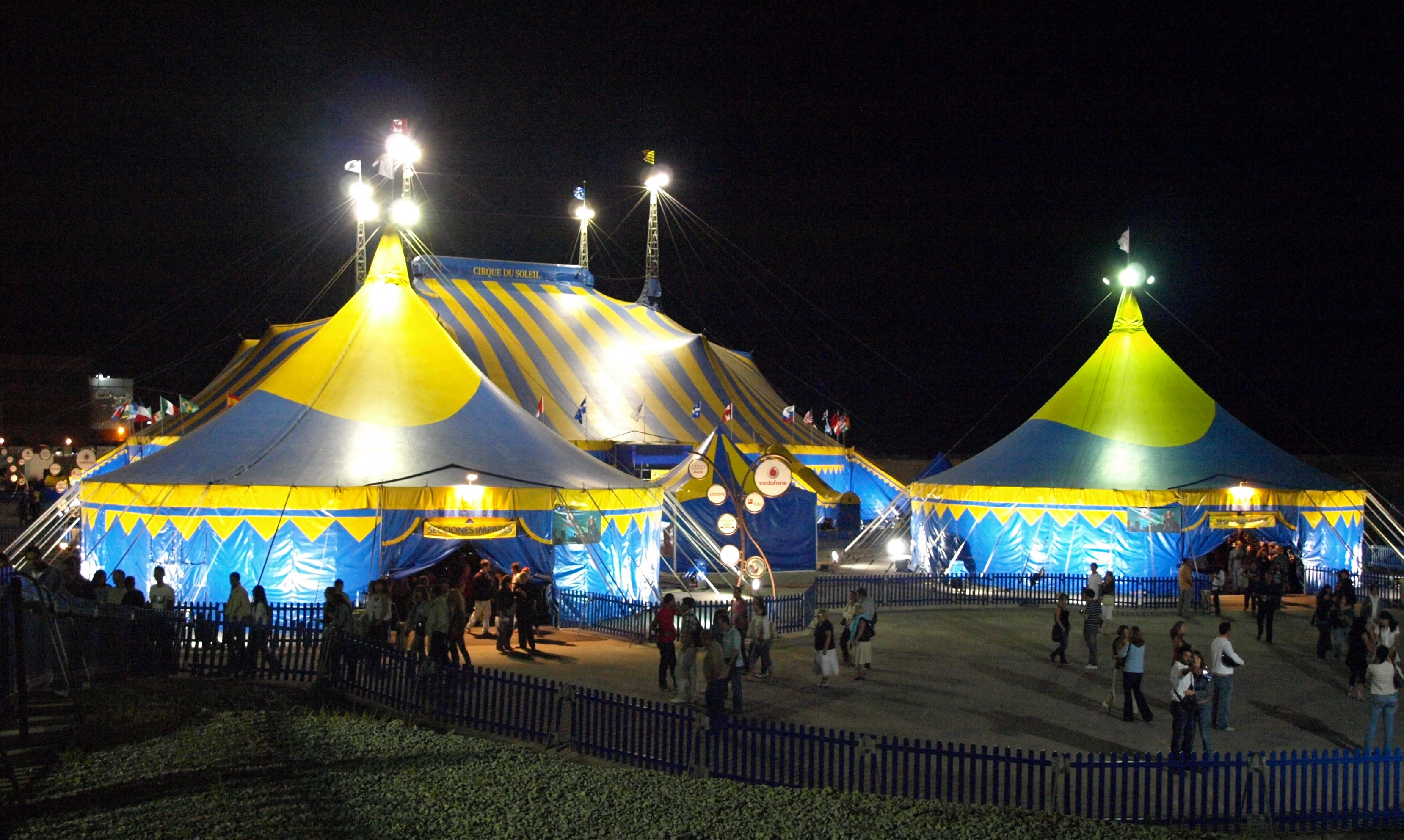 Circo de Broken Arrow Circo_del_Sol