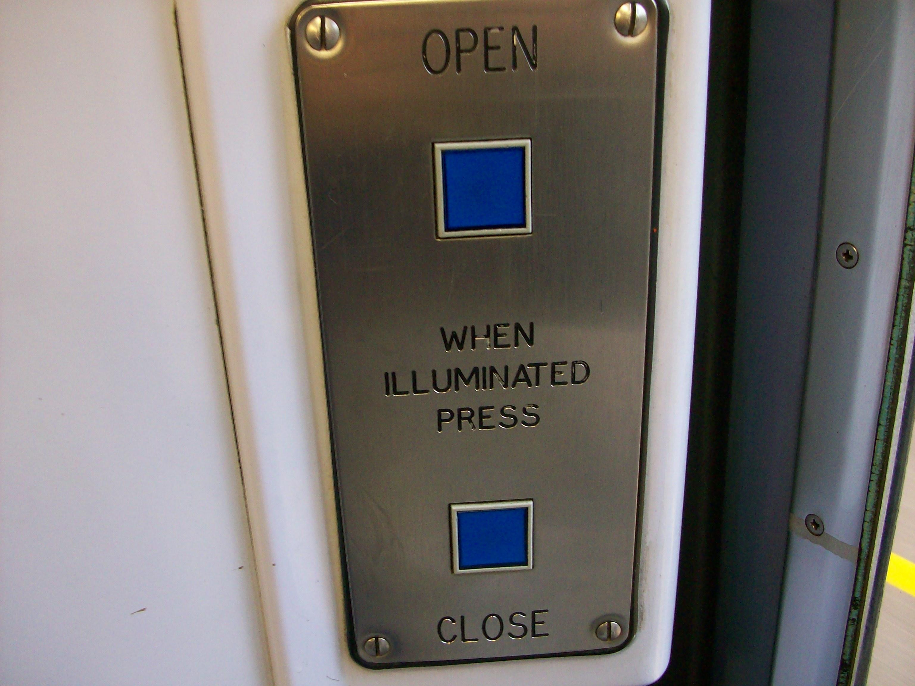 File:Class 150 blue door buttons unlit.jpg & File:Class 150 blue door buttons unlit.jpg - Wikimedia Commons Pezcame.Com