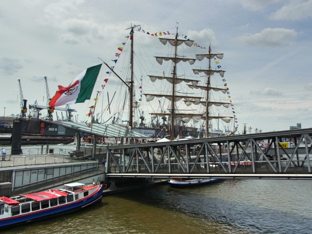 File:Cuauhtemoc in Hamburg (1).jpg