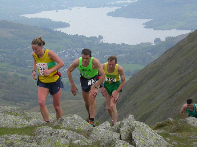 Fell Runners on Great Rigg - geograph.org.uk - 11637