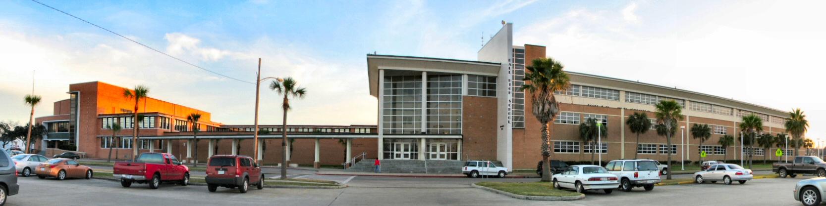 File:Galveston Ball High 2007.jpg