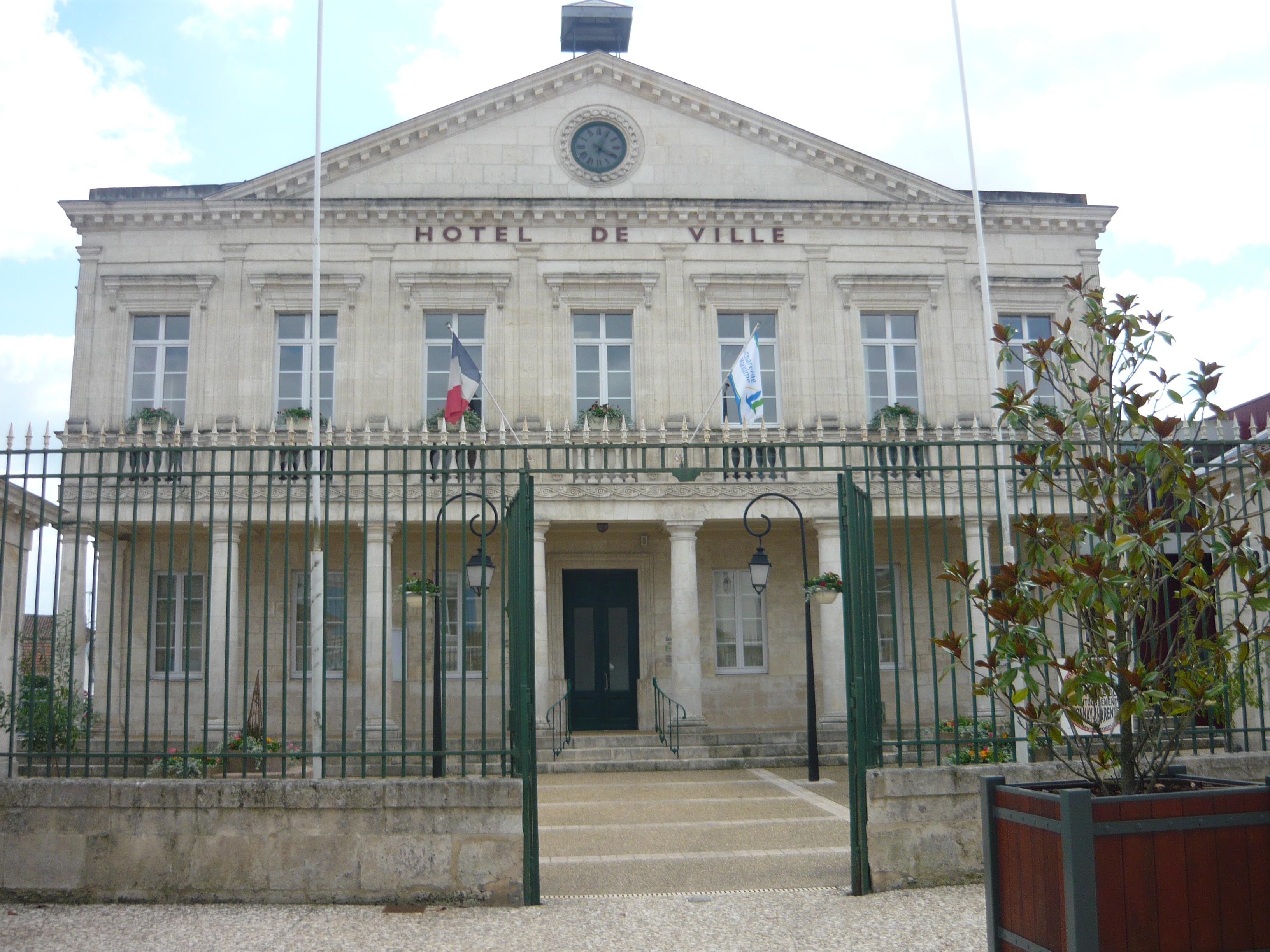 Fichier h tel de ville de tonnay charente wikip dia - Piscine de tonnay charente ...