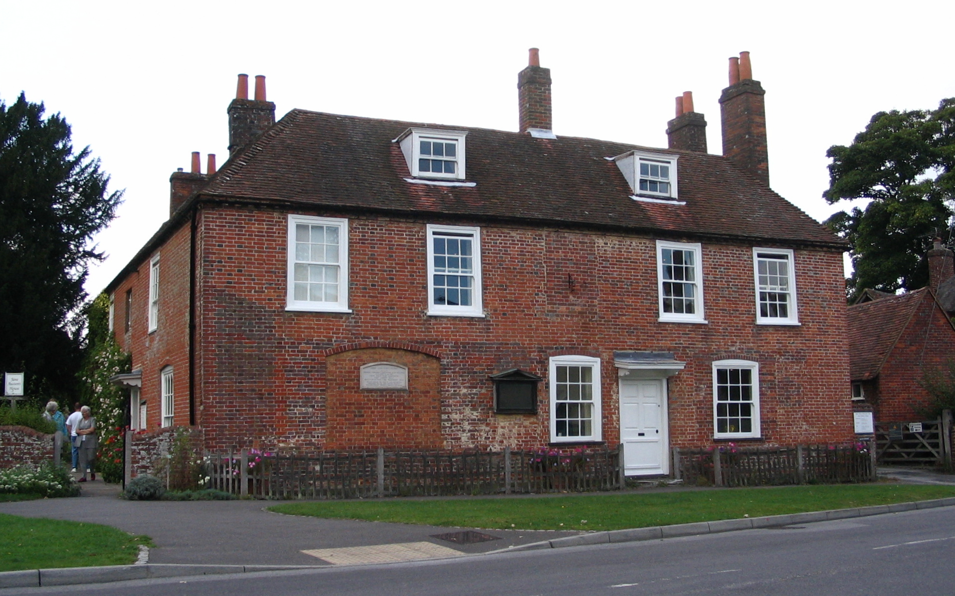 Jane Austen's House, Chawton, Hampshre. By Rudi Riet. CC BY-SA 2.0,via Wikimedia Commons