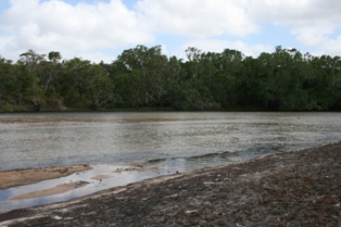 Jardine-river-cape-york-queensland-australia.jpg