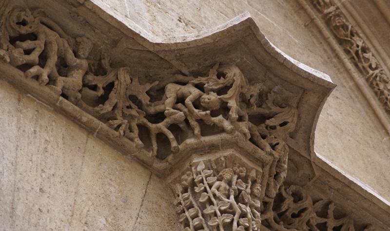 File:La Lonja de la Seda 20090522 decorations.jpg - Wikimedia Commons