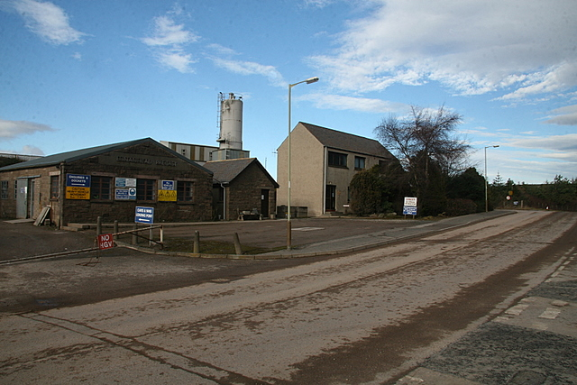 Laird Brothers Ready-mix Concrete Plant, Lunanhead - geograph.org.uk - 1174460.jpg