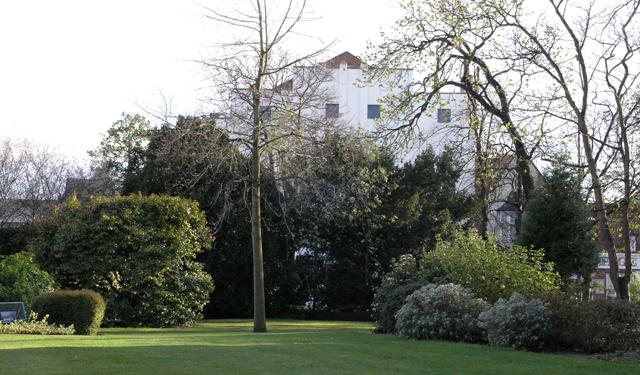 Long Eaton Town Hall garden - geograph.org.uk - 751796