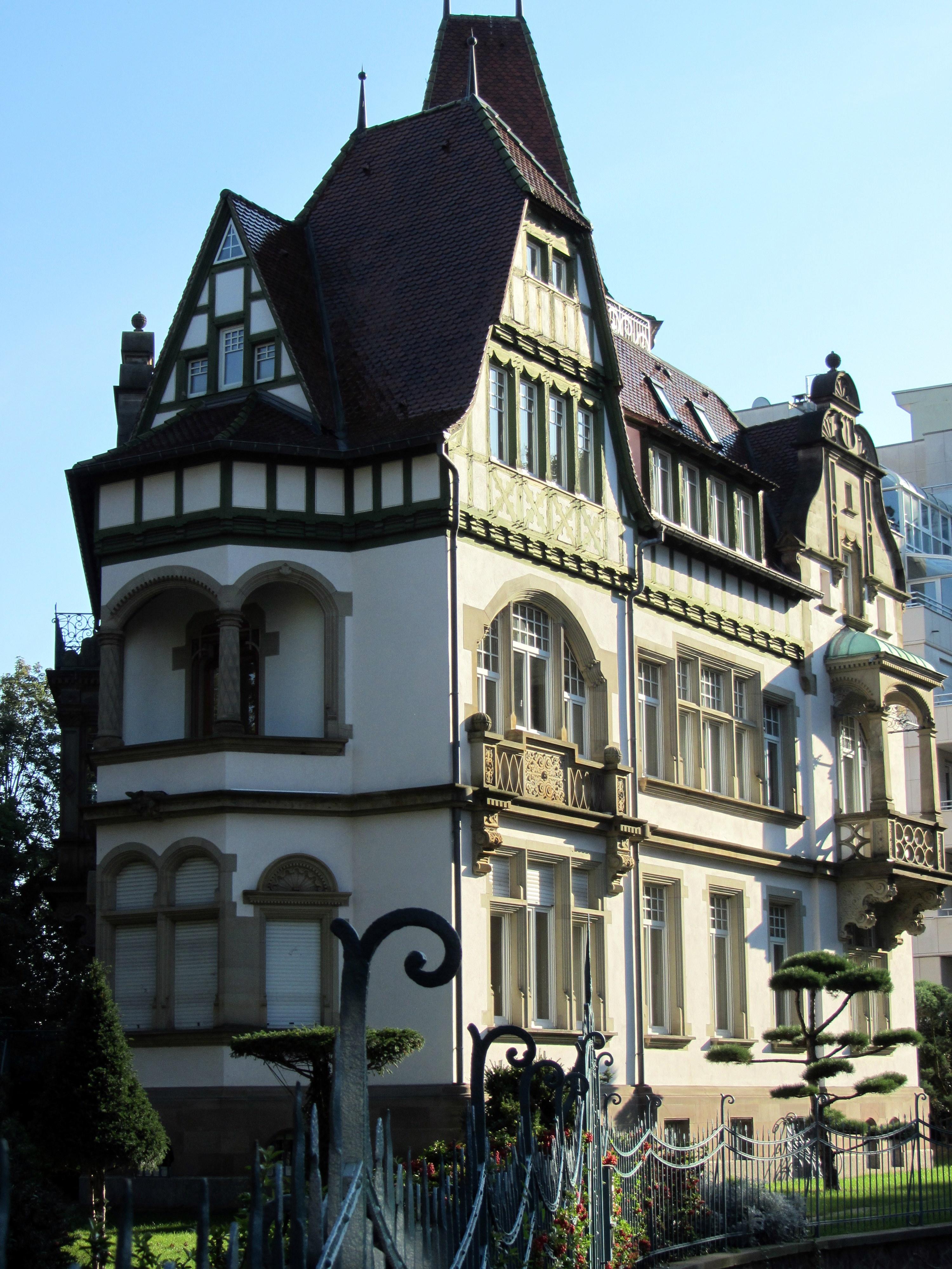File manoir du contades 10 rue des arquebusiers for Rue du miroir strasbourg