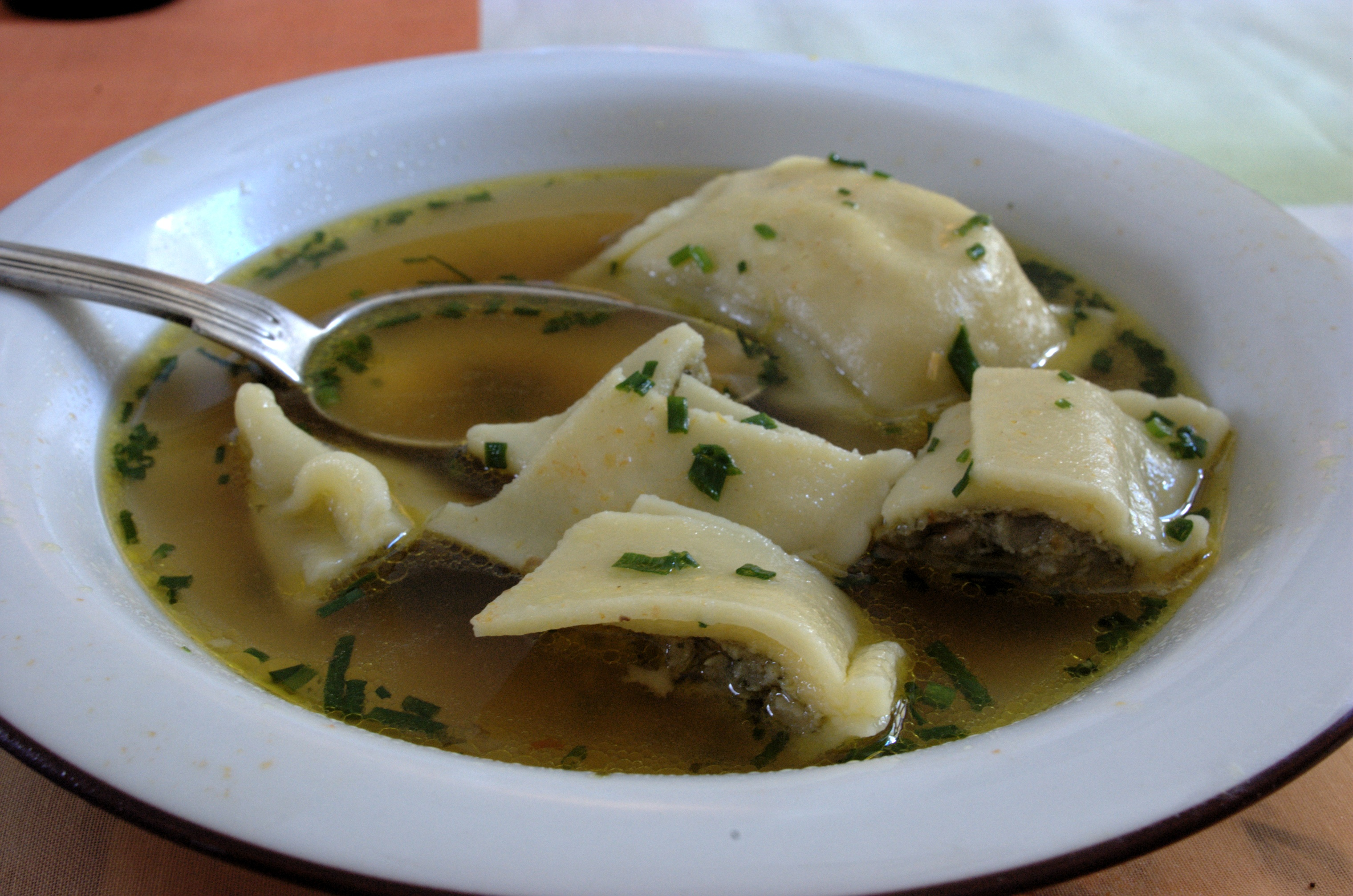 File Maultaschen Suppe Jpg Wikimedia Commons