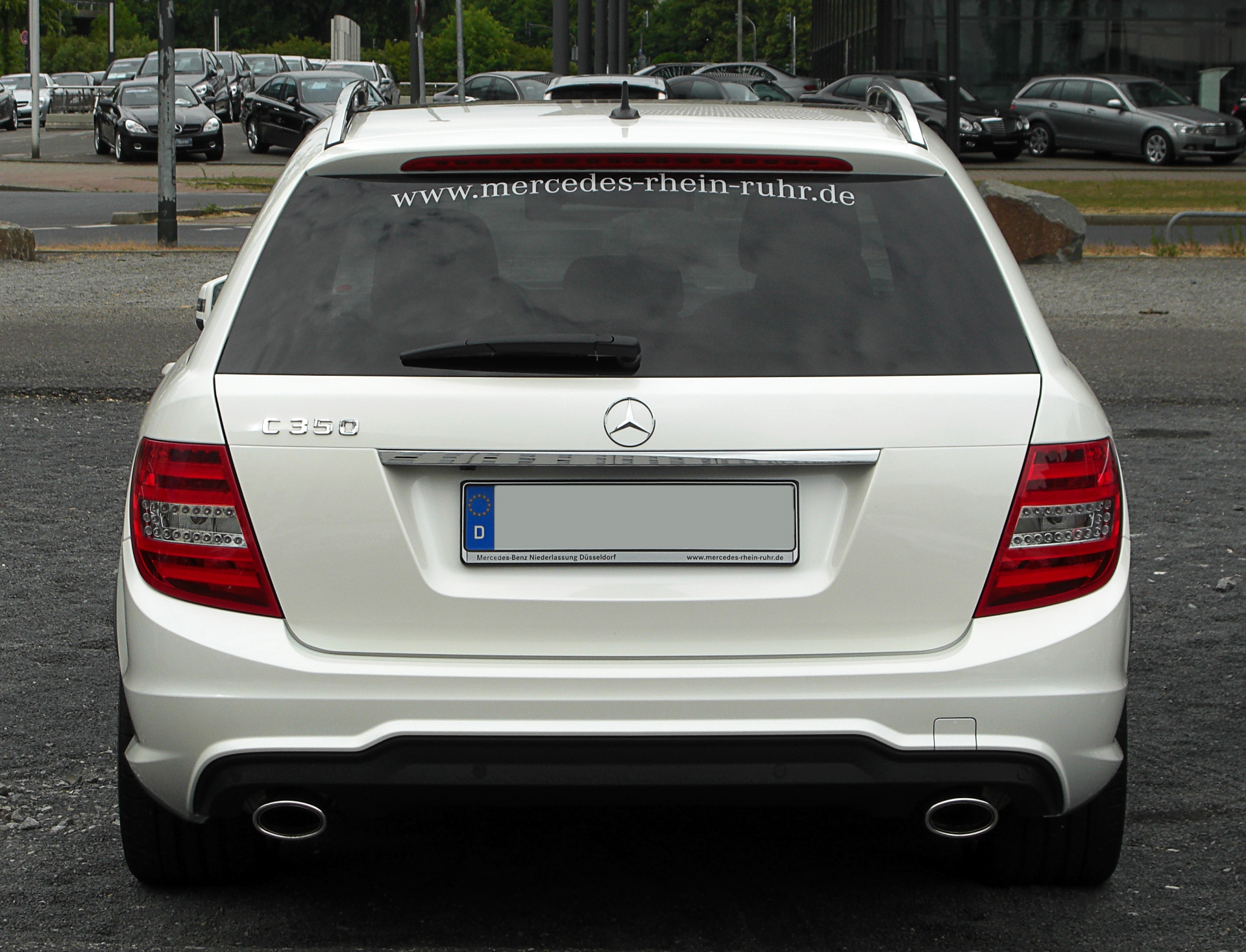 File:Mercedes-Benz C 350 BlueEFFICIENCY T-Modell Avantgarde