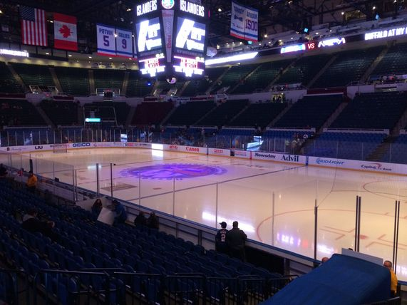 File:Nassau Coliseum Empty.jpg