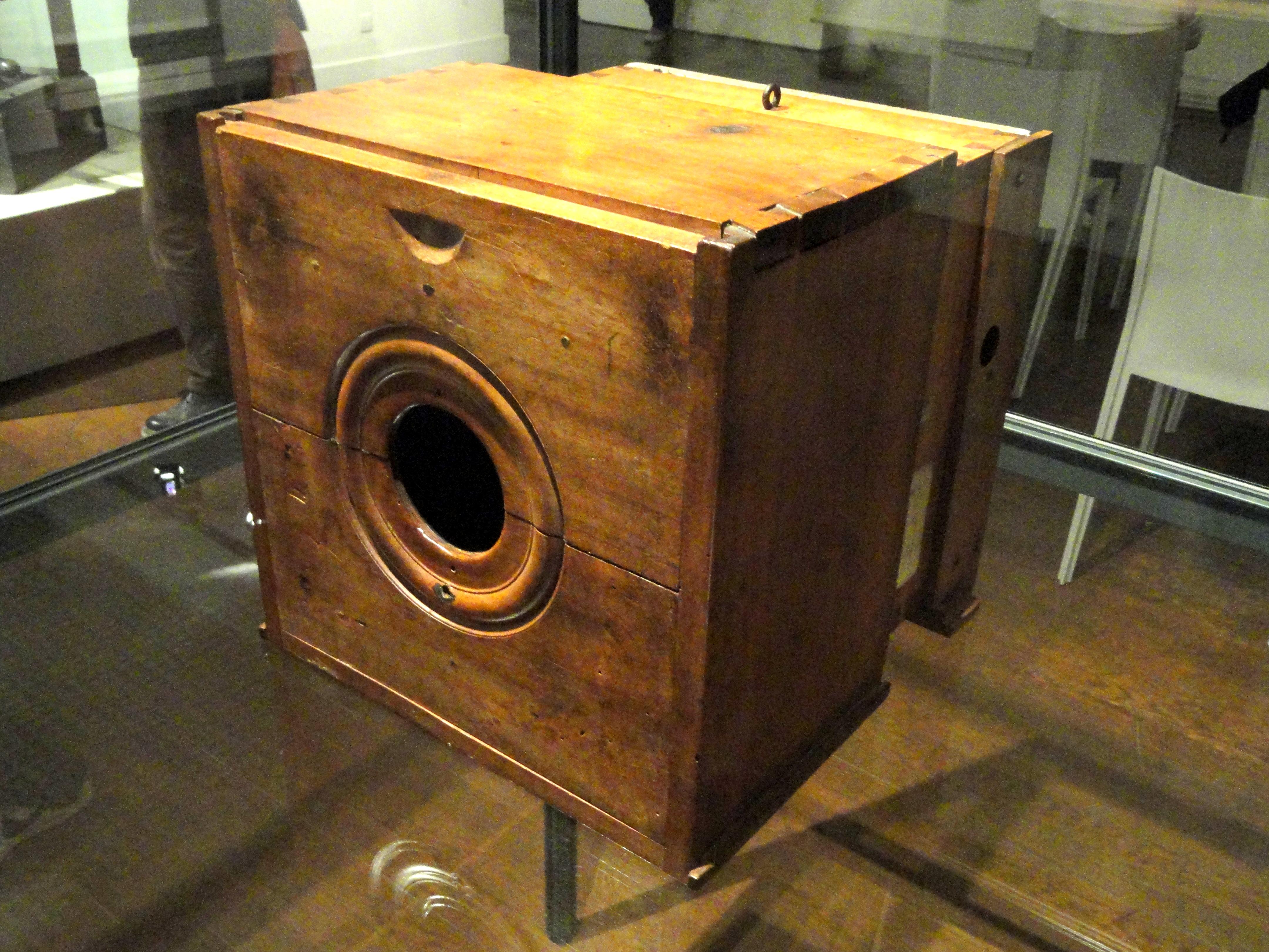 File nic phore ni pce camera c 1820 1830 mus e for Camarade de chambre