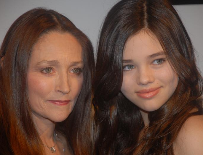 Файл:Olivia Hussey and India Eisley LF.JPG