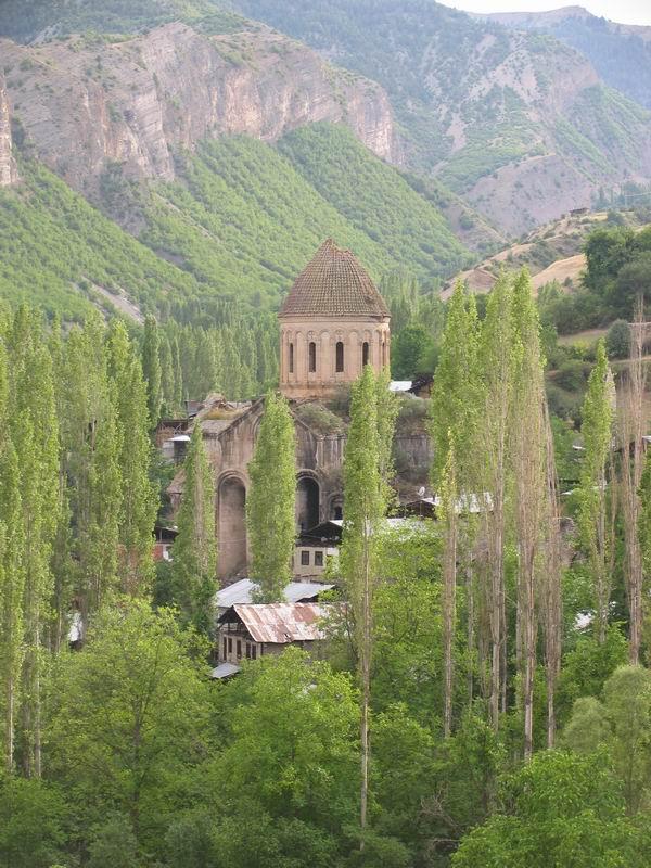 BBC avertizeaza ca Turcia lasa sa se prabuseasca bisericile ortodoxe de pe teritoriul ei