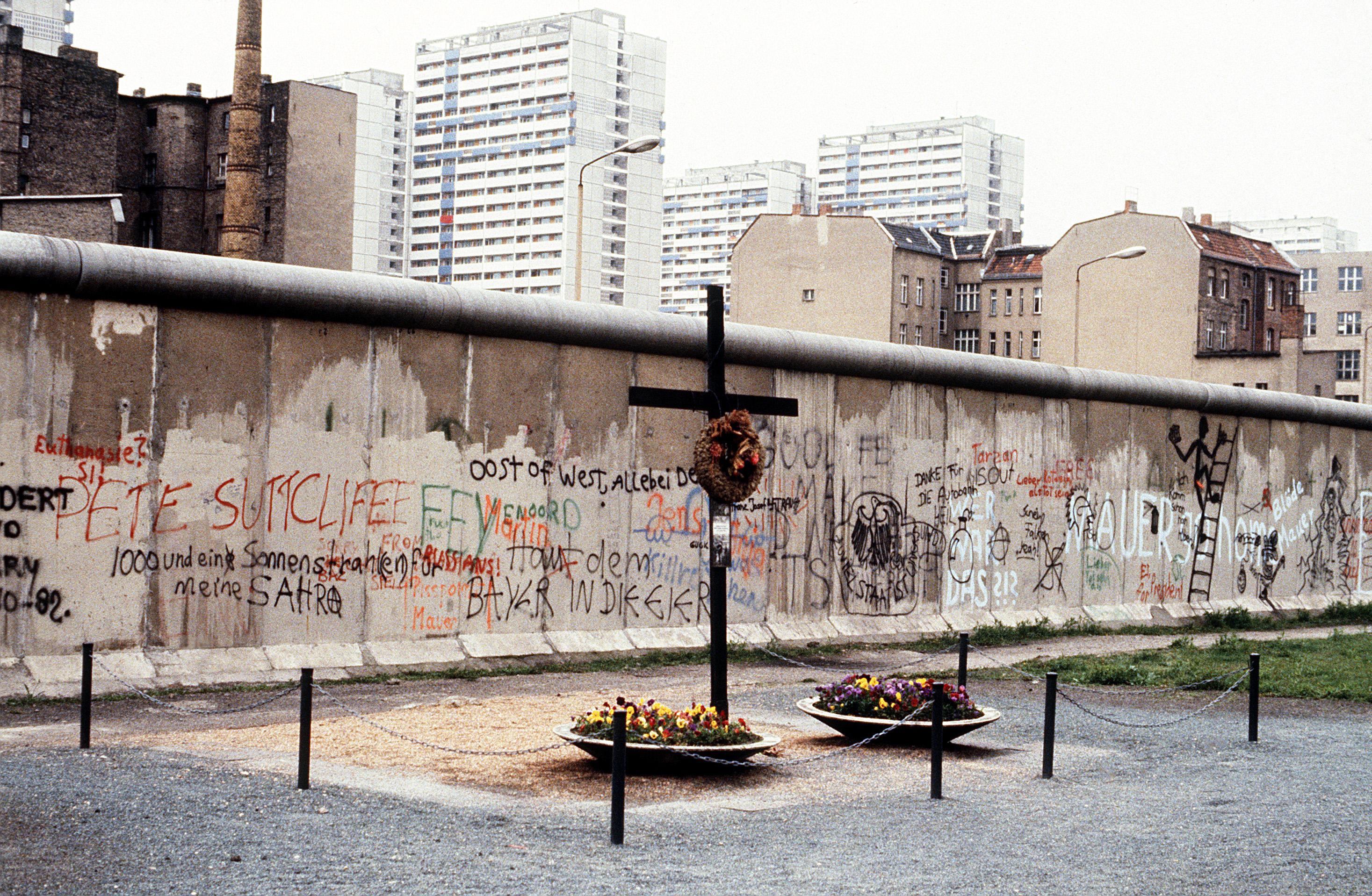 Peter Fechter Berlin Wall Memorial.jpg